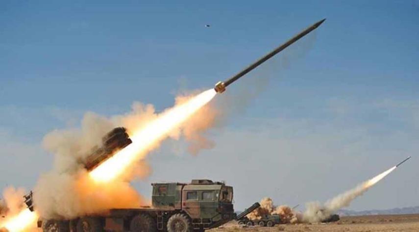 اصابت ۴ موشک زلزال ۲ به مواضع نظامیان سعودی در جیزان