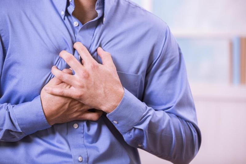 ۵ نشانه در مردان که از حملات قلبی خبر میدهند