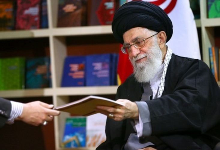 چاپ اول خاطرات رهبر انقلاب ۳ روزه تمام شد