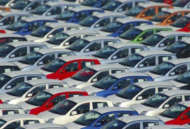 مقصر گرانیهای خودرو کیست؟