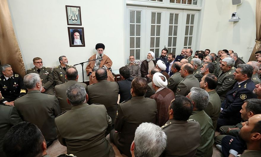رهبر انقلاب: جلوههایی از شعار «ارتش فدای ملت» را در مناطق سیلزده دیدیم