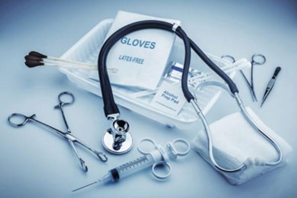 چگونه از تخلفات پزشکان شکایت کنیم؟