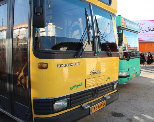 اخراج راننده اتوبوس به علت سوار نکردن یک کارگر