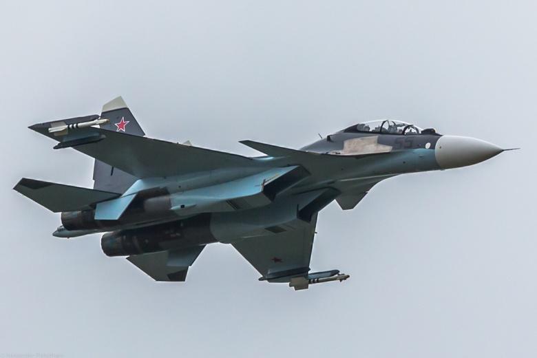 تعقیب و گریز بی-۵۲ آمریکایی وسوخوی روسی روی دریای سیاه!