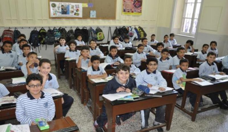 مدارس به اولیا: کاغذ بیاورید تا ثبتنام کنیم