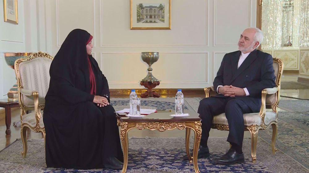 ظریف: مذاکرات برجامی زمانی آغاز میشود که همه طرفها به تعهداتشان عمل کنند/ تهران تسلیم فشار نخواهد شد