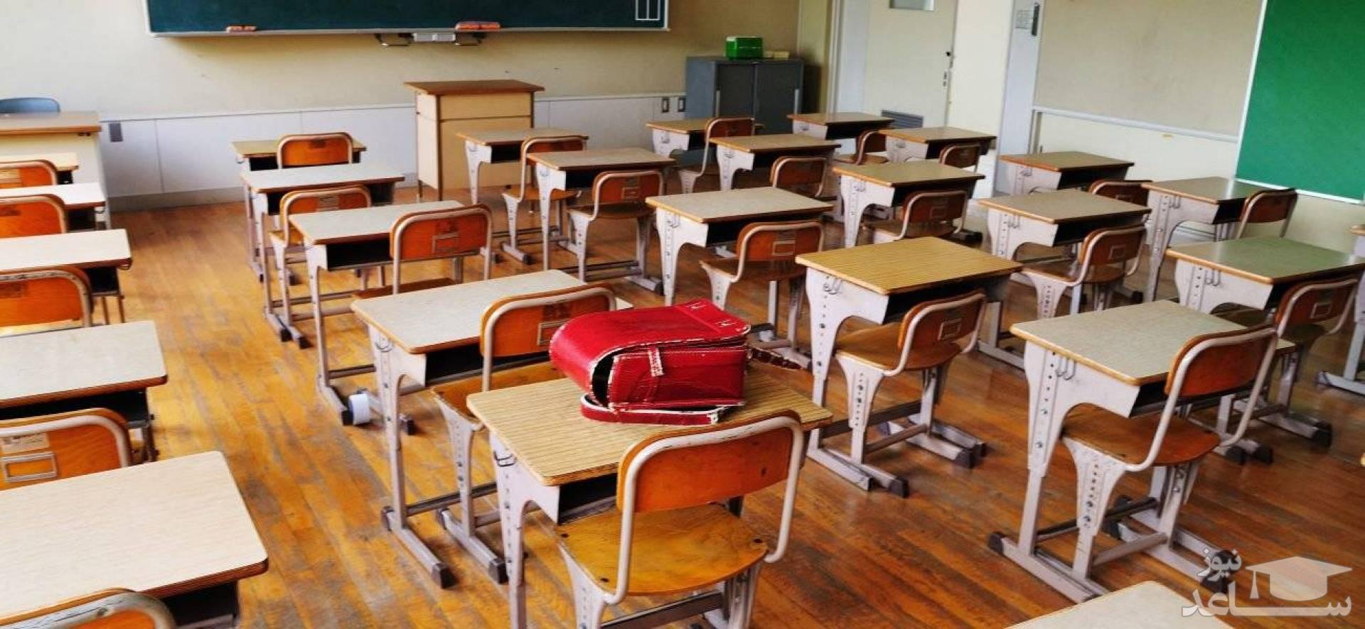 تکلیف بازگشایی مدارس با خیز پنجم کرونا/ قرمز انگار آبیه ، کسی حرف گوش نمیکنه