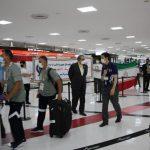 خستگی و گرسنگی کاروان ایران در فرودگاه توکیو/ ژاپنیهای منظم، ترک عادت کردند