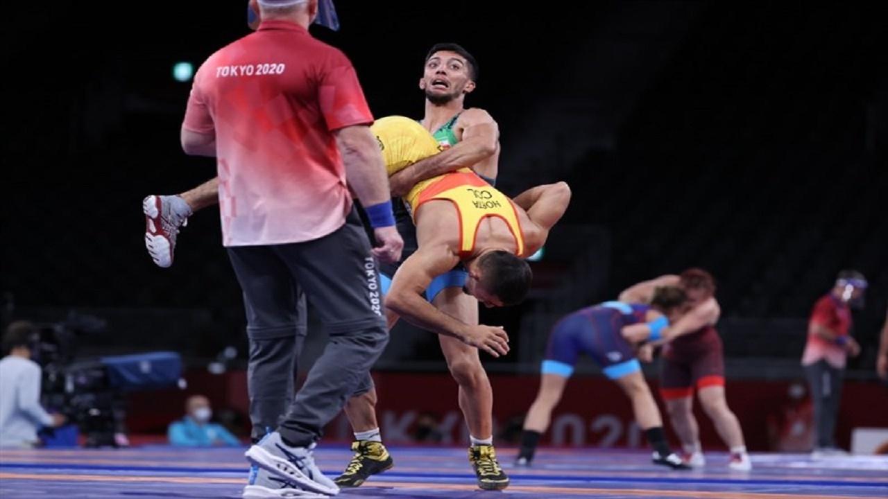 محمد رضا گرایی در دیدار نیمه نهایی رقابتهای وزن ۶۷ کیلوگرم کشتی فرنگی بازیهای المپیک توکیو به پیروزی رسید و راهی فینال شد