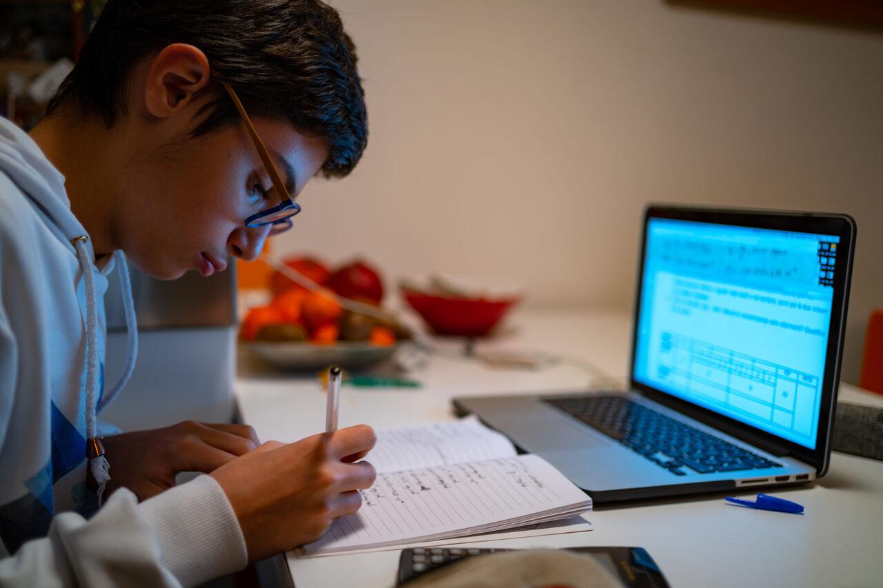 وزیر پیشنهادی آموزش و پرورش را نمیشناسم/ دانش آموزان در آموزش مجازی فقط ۶۰ درصد مطالب را یاد میگیرند