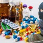 جولان سوداگران دارو در سایه بیتدبیری مسئولان/ داروهای گران قیمت کرونا که بیتاثیر بودند