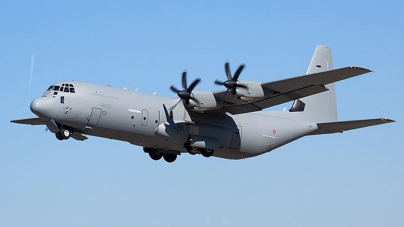 هواپیمای ایتالیا پس از برخاستن از فرودگاه کابل هدف قرار گرفت