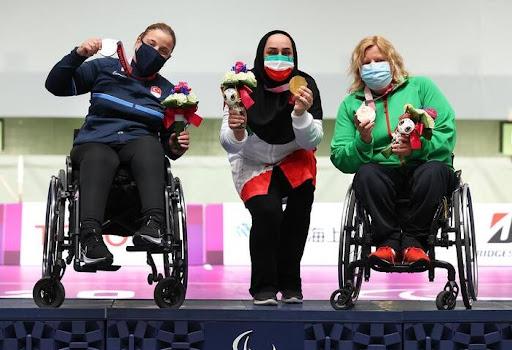 عکس/ اقدام زیبای ساره جوانمردی روی سکوی پارالمپیک