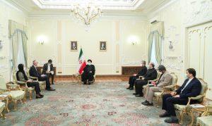 رییس جمهور: تحریم نمیتواند مانع توسعه روابط و همکاریهای ایران با دیگر کشورها شود